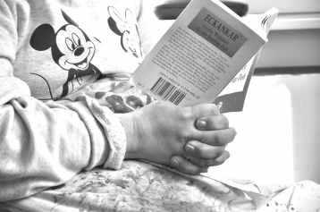 10. Charlotte Lesen und Wasser-min